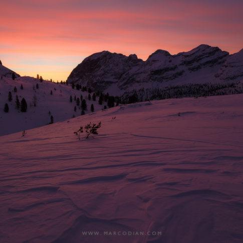 fanes_alba_inverno_rosso